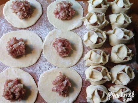 Как приготовить манты из свинины