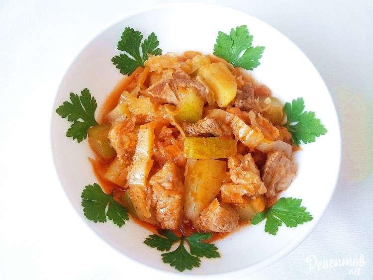 Рагу из свинины с капустой и картошкой рецепт