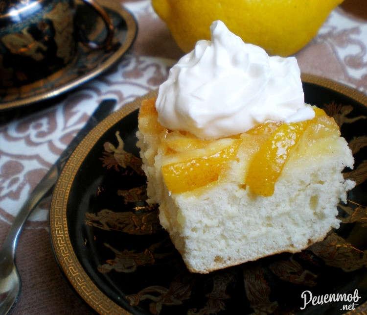 Шарлотка с лимонами